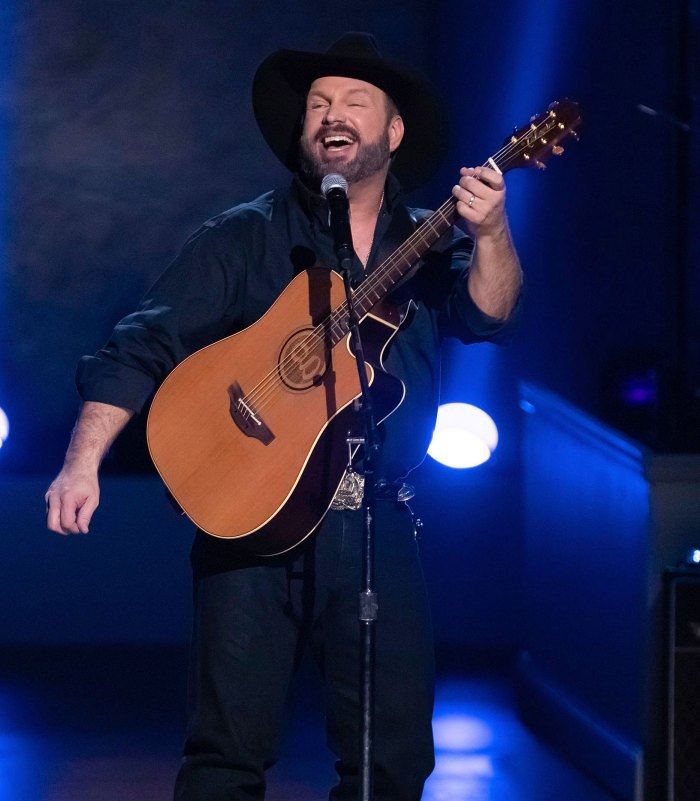 Garth Brooks Receives the Billboard Music Awards 2020 Icon Award
