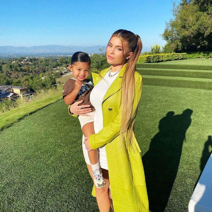 Kylie Jenner Travis Scott Daughter Stormi Fully Swims New Video