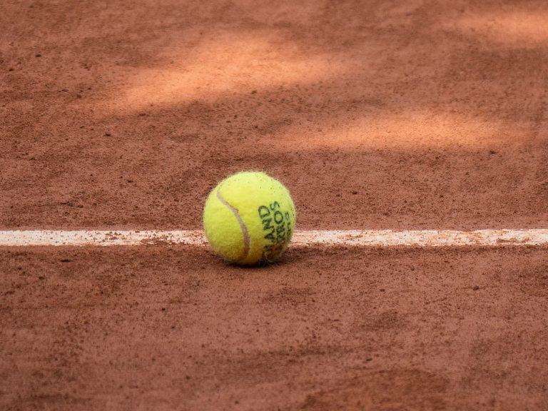 Sofia Kennin Confidently Reaches Roland Garros Finals, to Meet Dominant Iga Swiatek