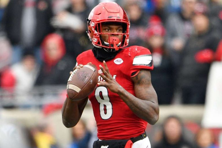 NFL Player Lamar Jackson Diagnosed With COVID-19