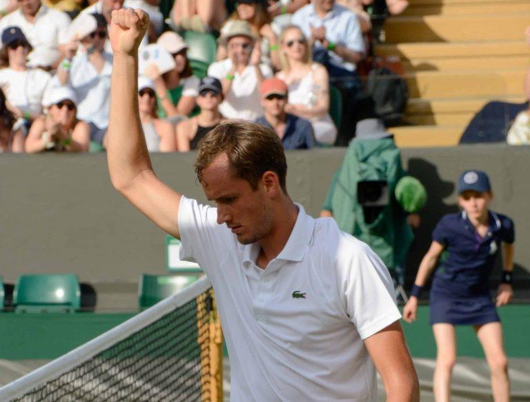 ATP Nitto Finals: Novak Djokovic Suffers a Hard Defeat Against Daniil Medvedev