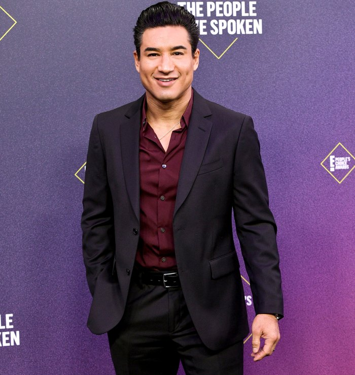 Mario Lopez Is Playing KFC's Colonel Sanders 1