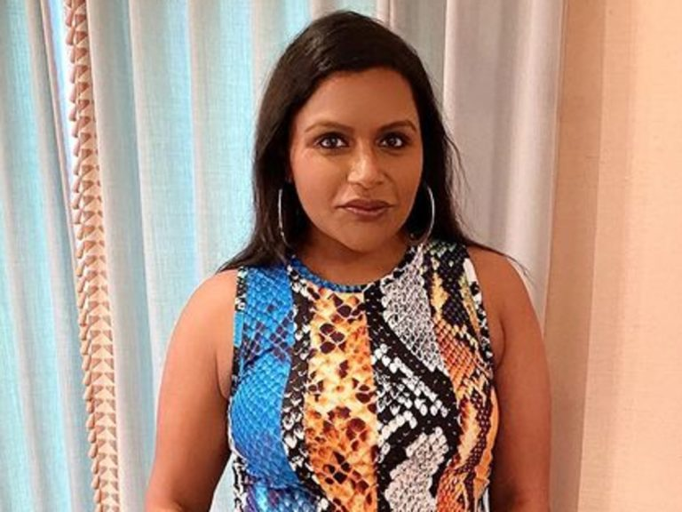 Mindy Kaling Puts On A Stylish Display In Twin Fantasy Snakeskin Outfit