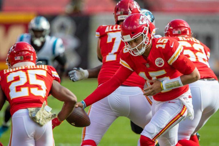 Kansas City Chiefs Overcome Offensive Struggles to Defeat Denver Broncos, 22-16