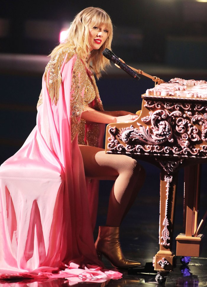 Taylor Swift Debuts Willow Music Video From Surprise 9th Album 'Evermore